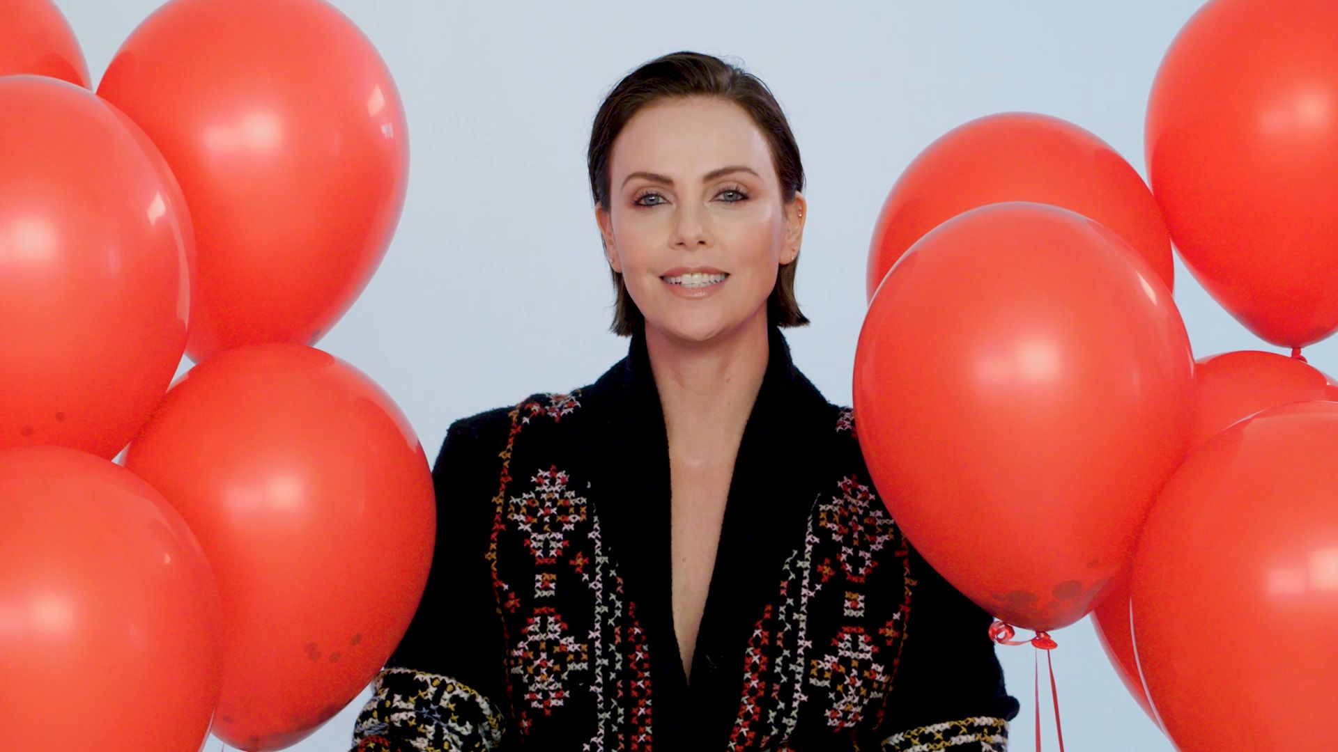 At 44, Charlize Theron Keeps Her Skin Glowing And Wrinkle-Free With Lots And Lots Of Sunscreen