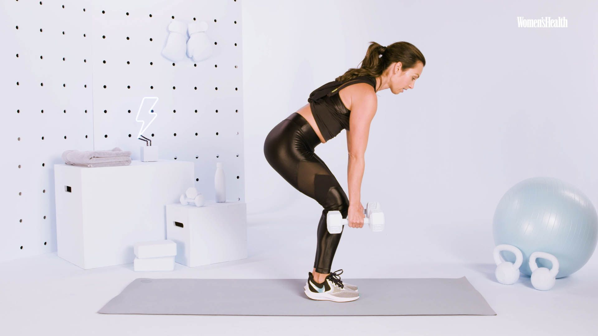This Full-Body Dumbbell Workout Will Make You Feel The Burn In Just 15 Minutes