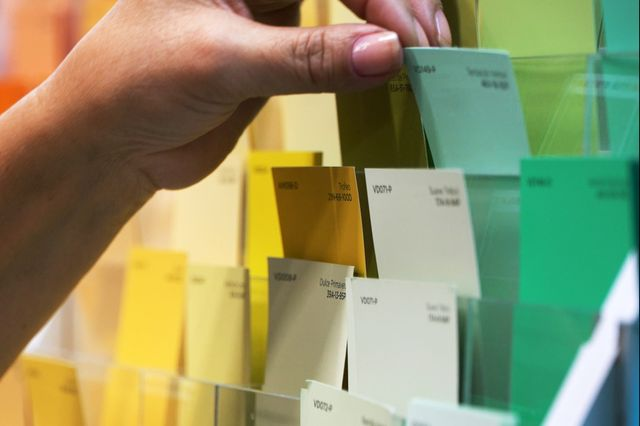 These Tricks Will Make Choosing a Paint Color So Much Easier