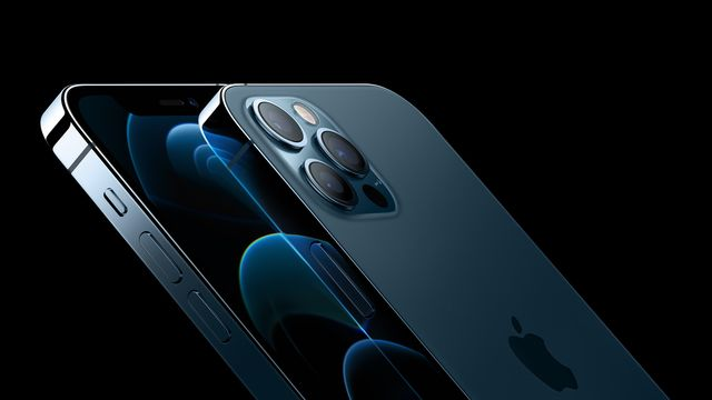 iphone 12 pro front and back shown together
