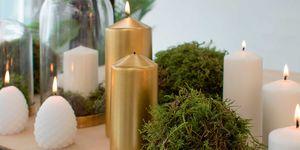 Bolas de musgo para adornar la mesa