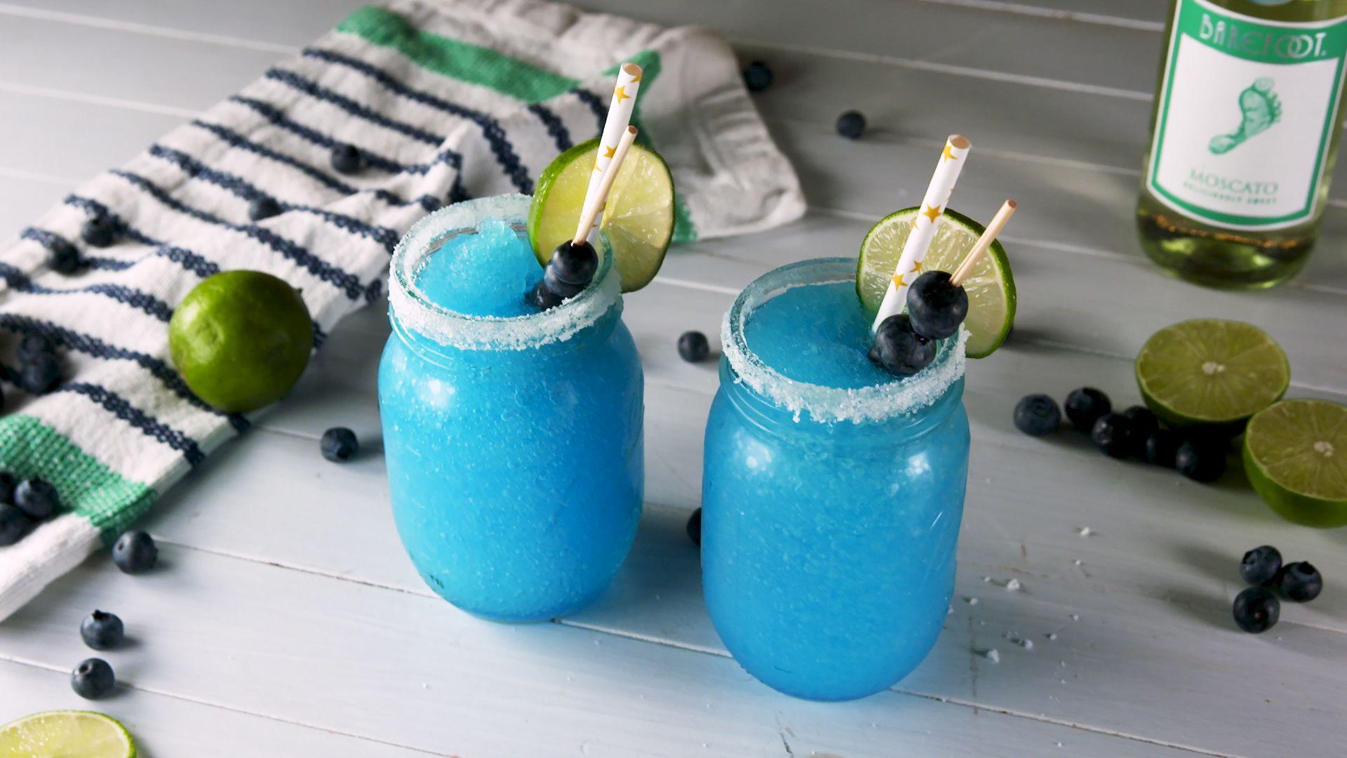 Perché il Margarita blu al Moscato ruberà lo spazio agli altri drink nella tua lista dei cocktail del cuore
