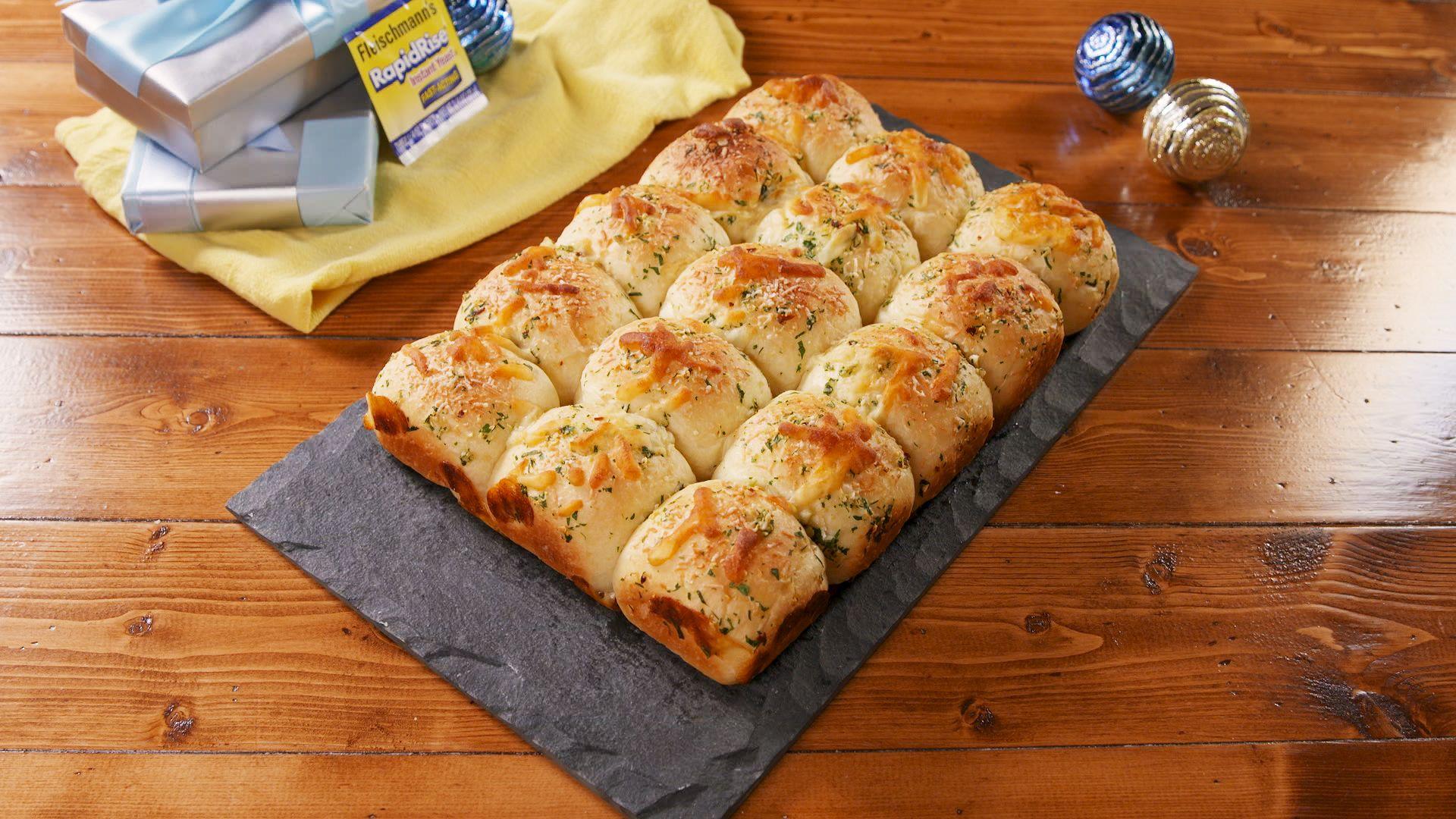 Cheesy Garlic Butter Rolls