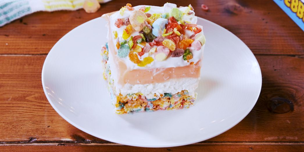 delish fruity pebbles lasagna still003 1581026356 jpg?crop=0 545xw:0 484xh;0 231xw,0 302xh&resize=1200:*.
