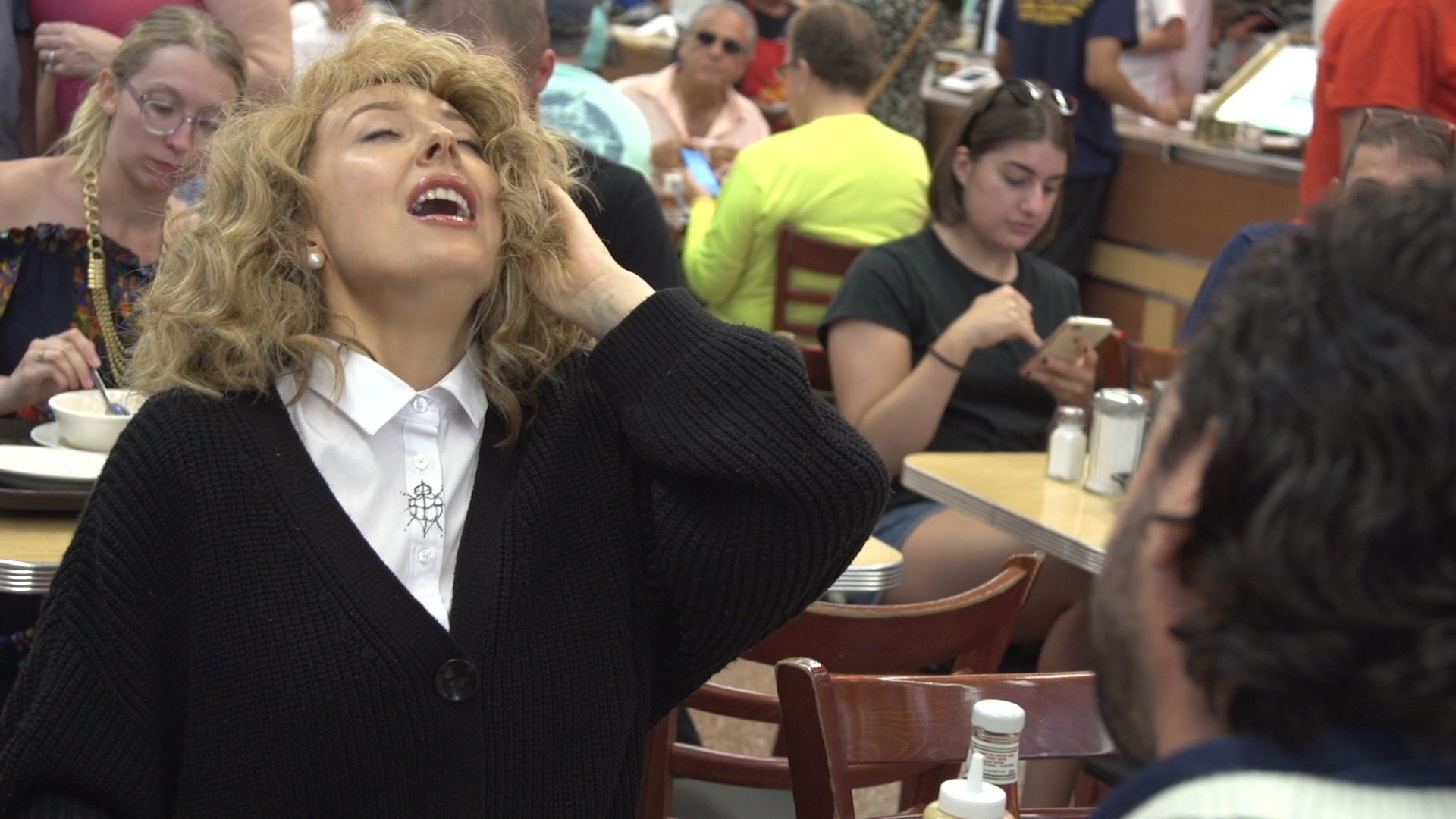 Katz's Deli Held A Fake Orgasm Contest And It Will Seriously Make You Blush