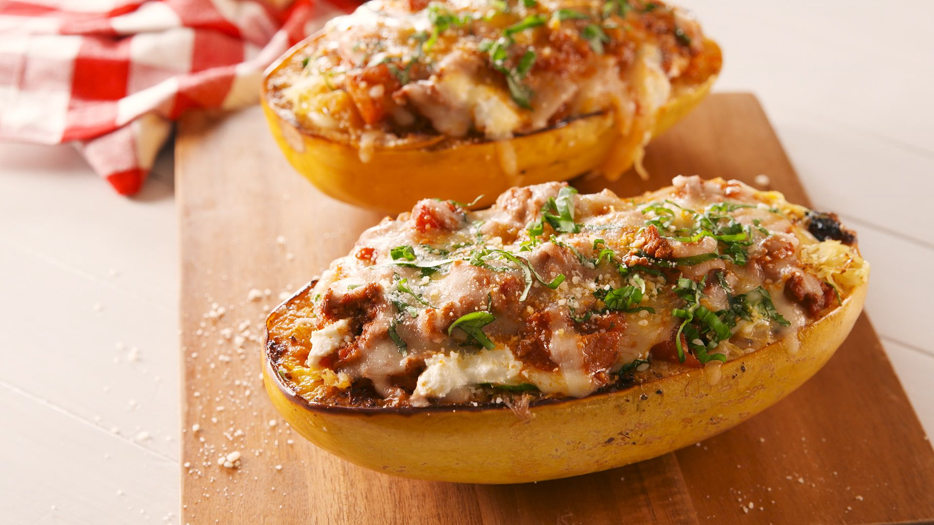 24 Spaghetti Squash Recipes That Will Make You Forget You're Eating Veggies