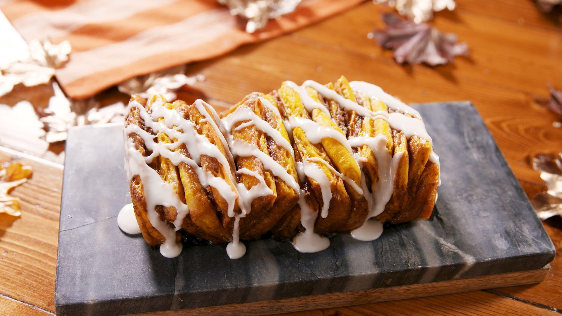 Pumpkin Cinnamon Pull-Apart Bread