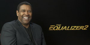 Denzel-Washington-entrevista-sonriendo