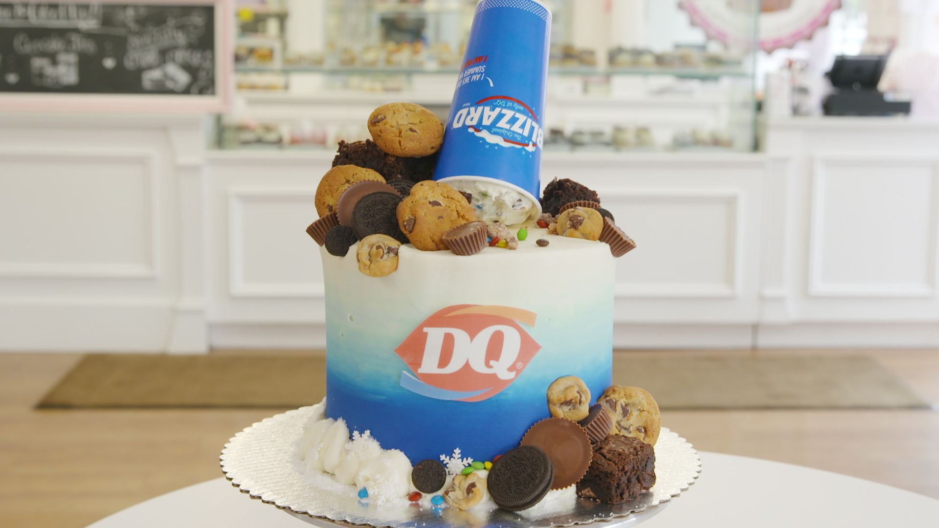 This Dairy Queen-Themed Cake Is Overflowing With Blizzard Mix-Ins