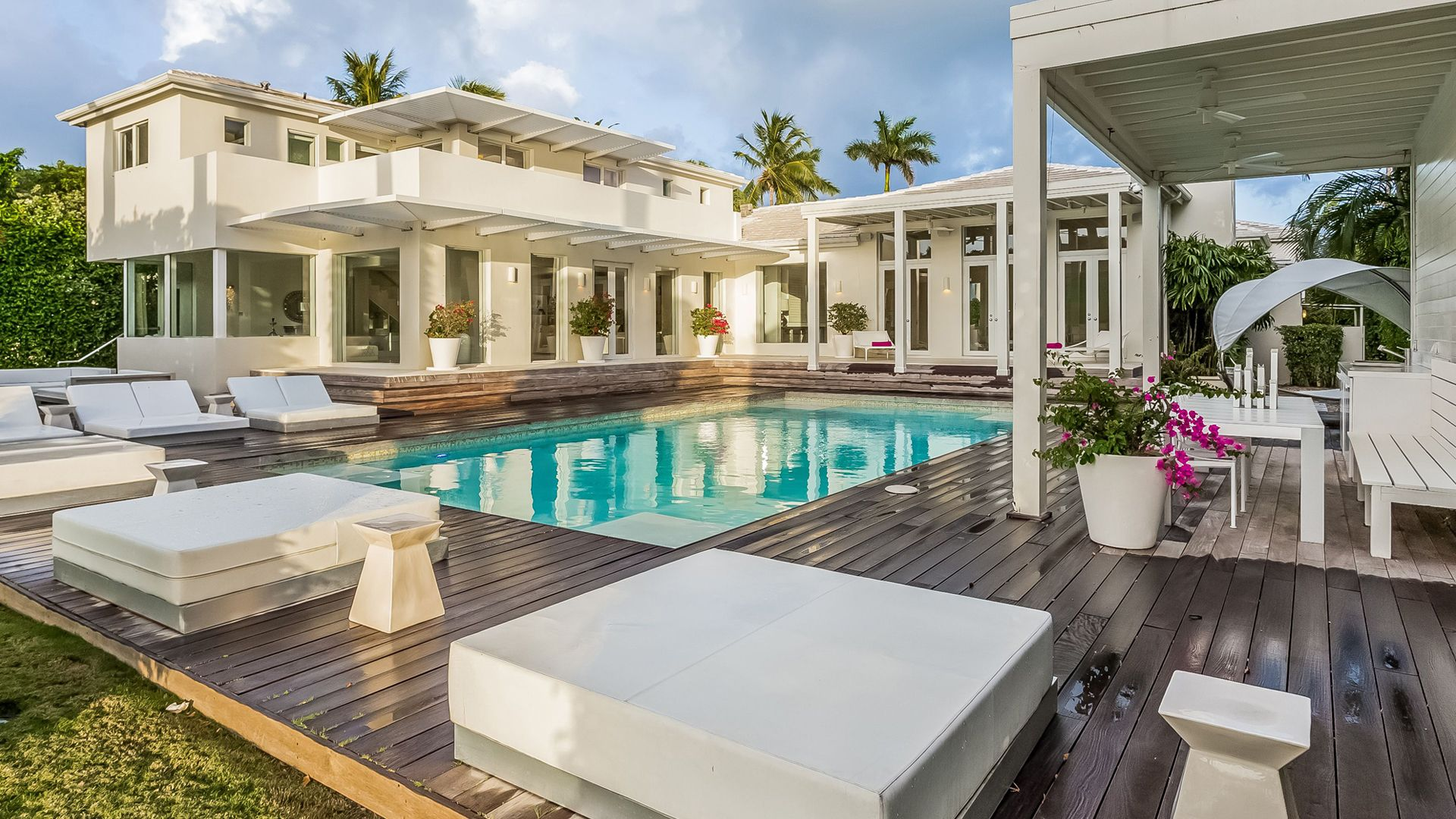 Dream House of the Week Shakira s Miami Beach waterfront mansion