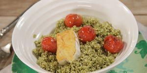Ensalada de quinoa con queso de cabra y pesto de pistacho