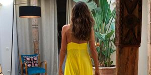 Sara Carbonero con vestido amarillo