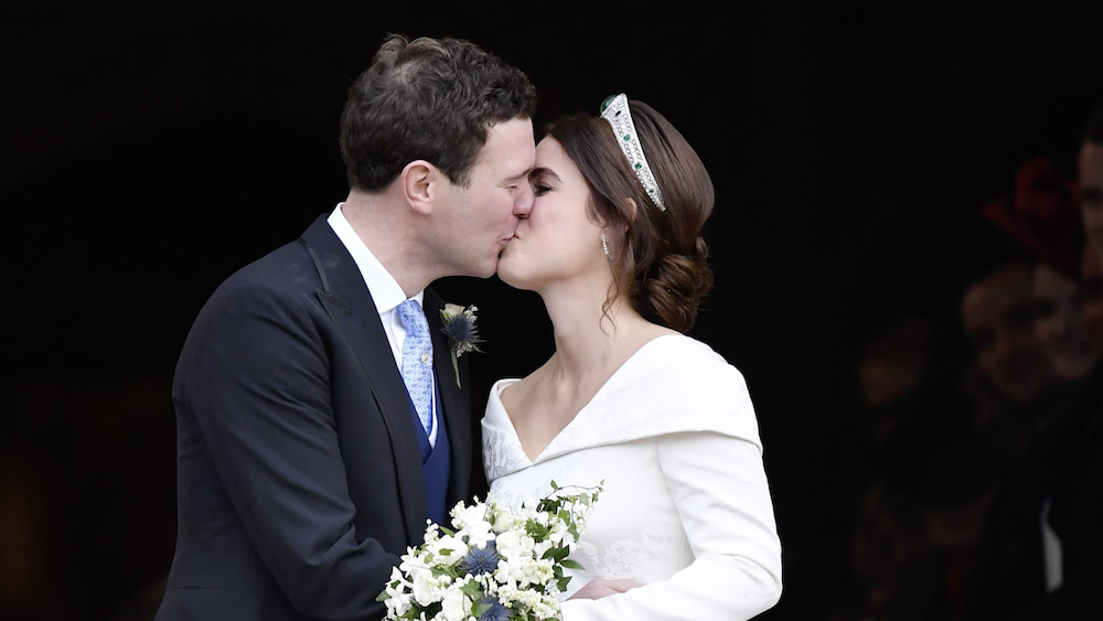 5 body language giveaways for wedding