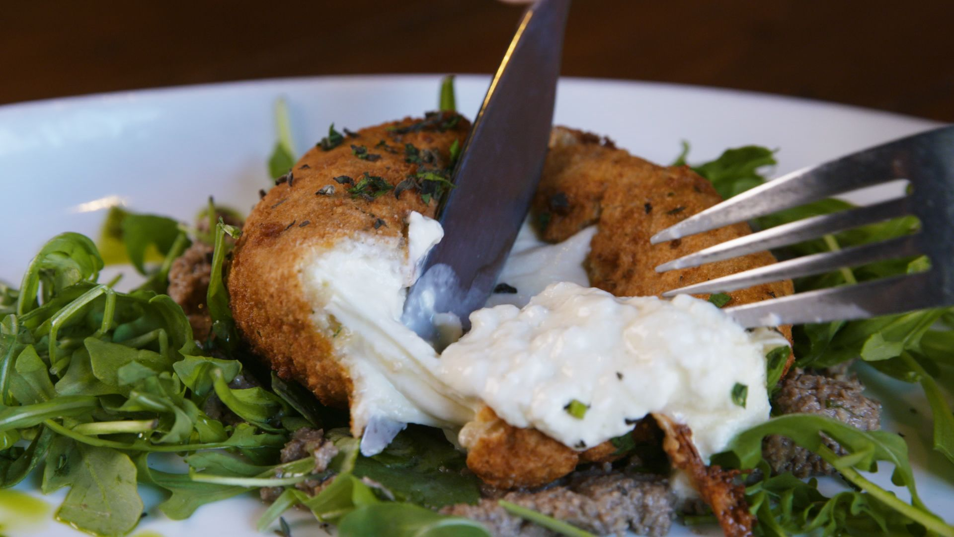 This Deep-Fried Burrata Explodes On Command