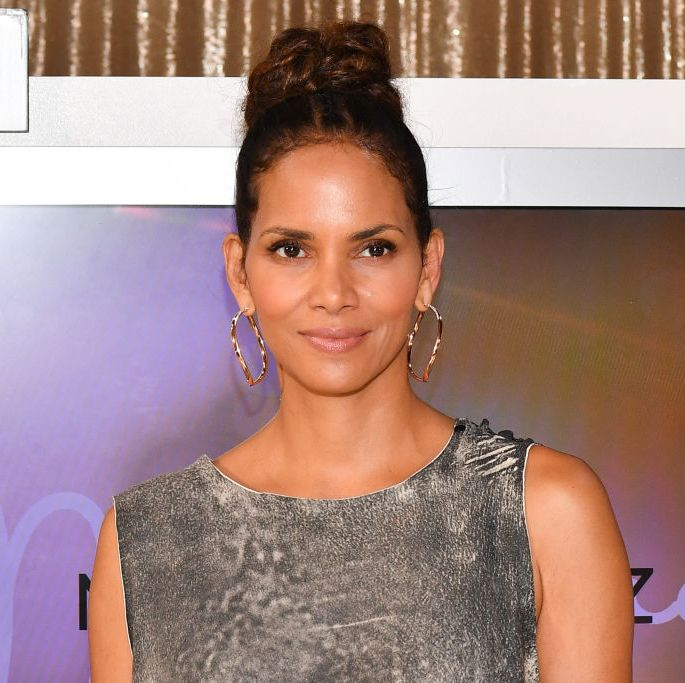 Halle Berry Just Showed Off Her Toned Abs In A Plunging Top On Instagram