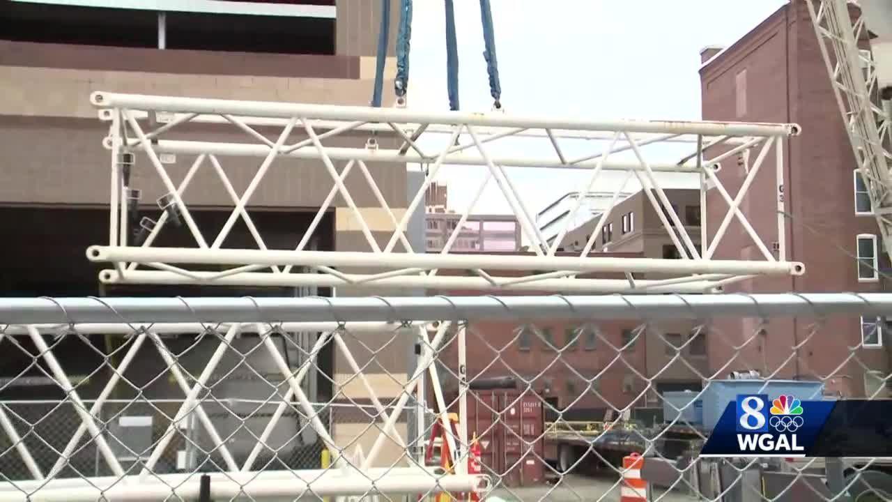 Crews begin assembling giant crane in Harrisburg