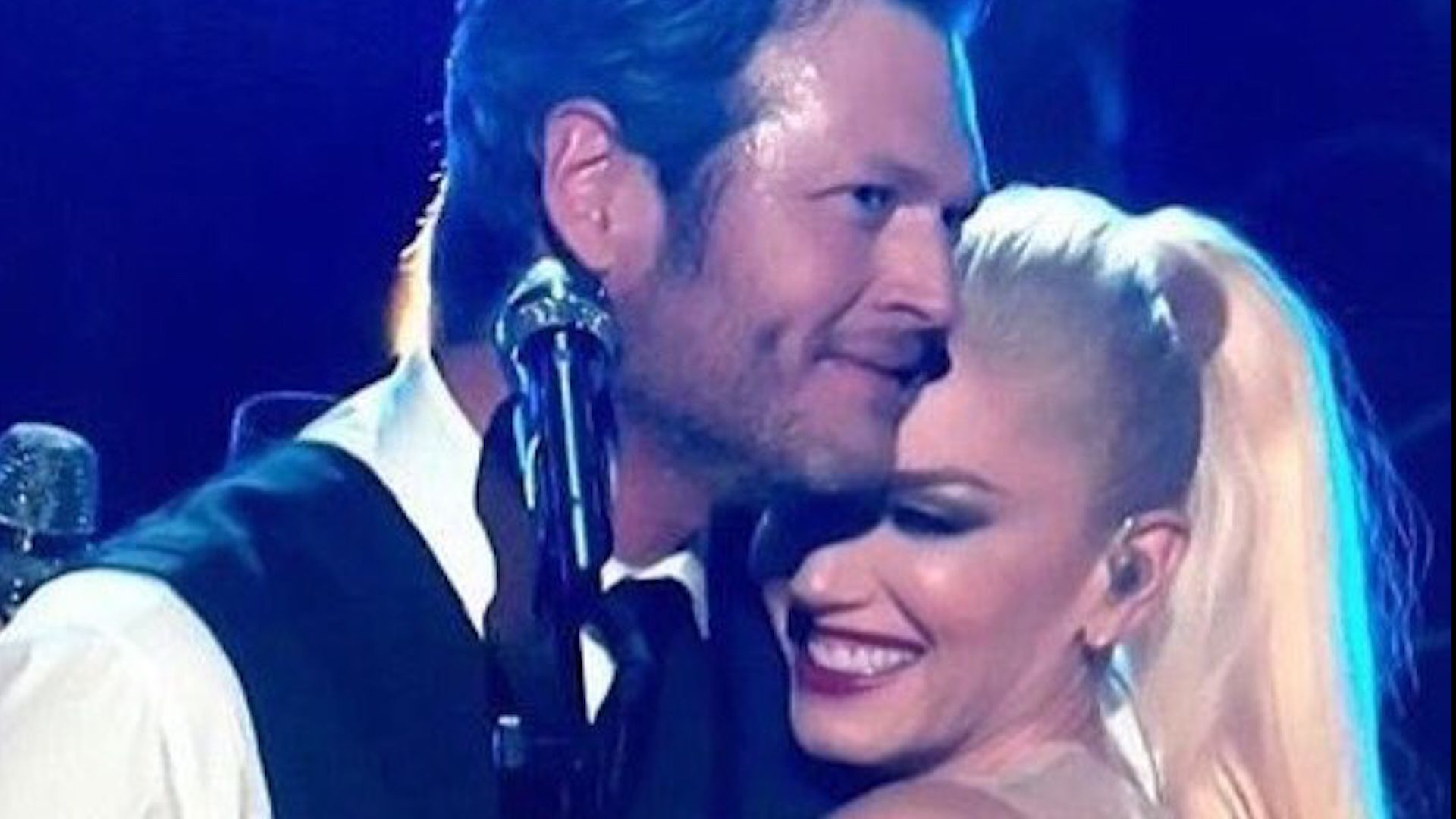"Blake Shelton and Gwen Stefani Are Releasing a New ""Earth-Rattling"" Love Song"