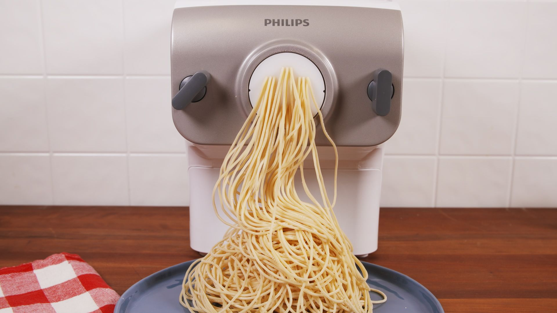 This Ingenious Gadget Makes Fresh Pasta for You in Minutes