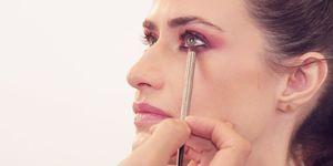 Maquillaje ojos cereza