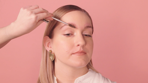 How to Fill in Your Eyebrows — 5 Steps to Thicker Brows