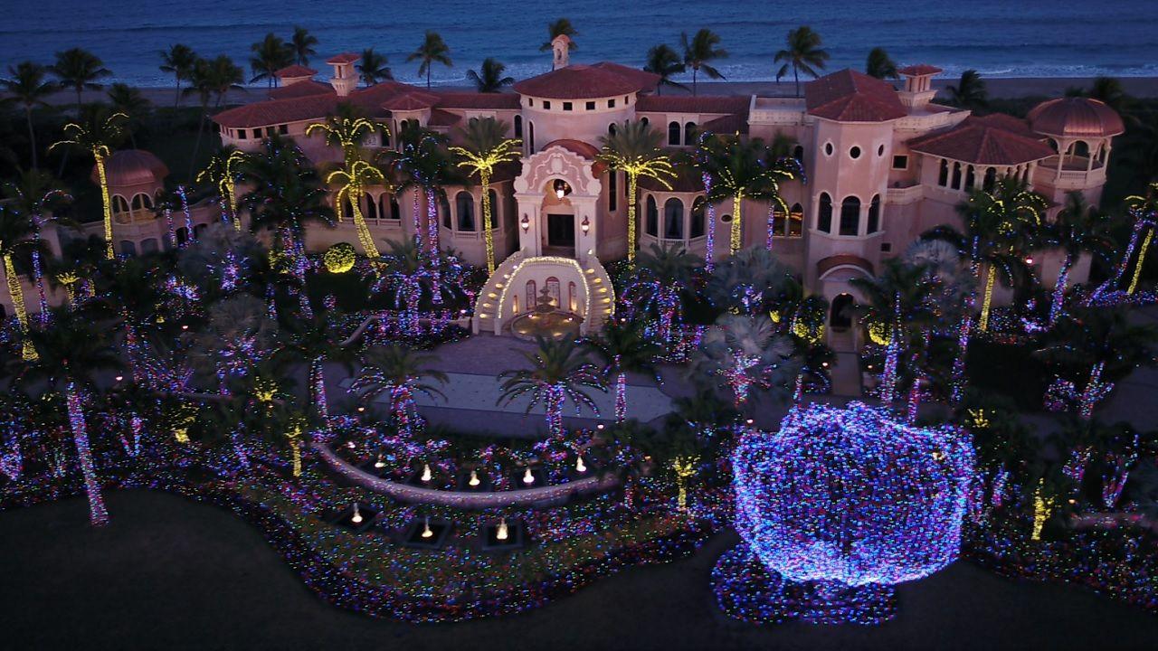 Spectacular Light Display Adorns Property In Jensen Beach