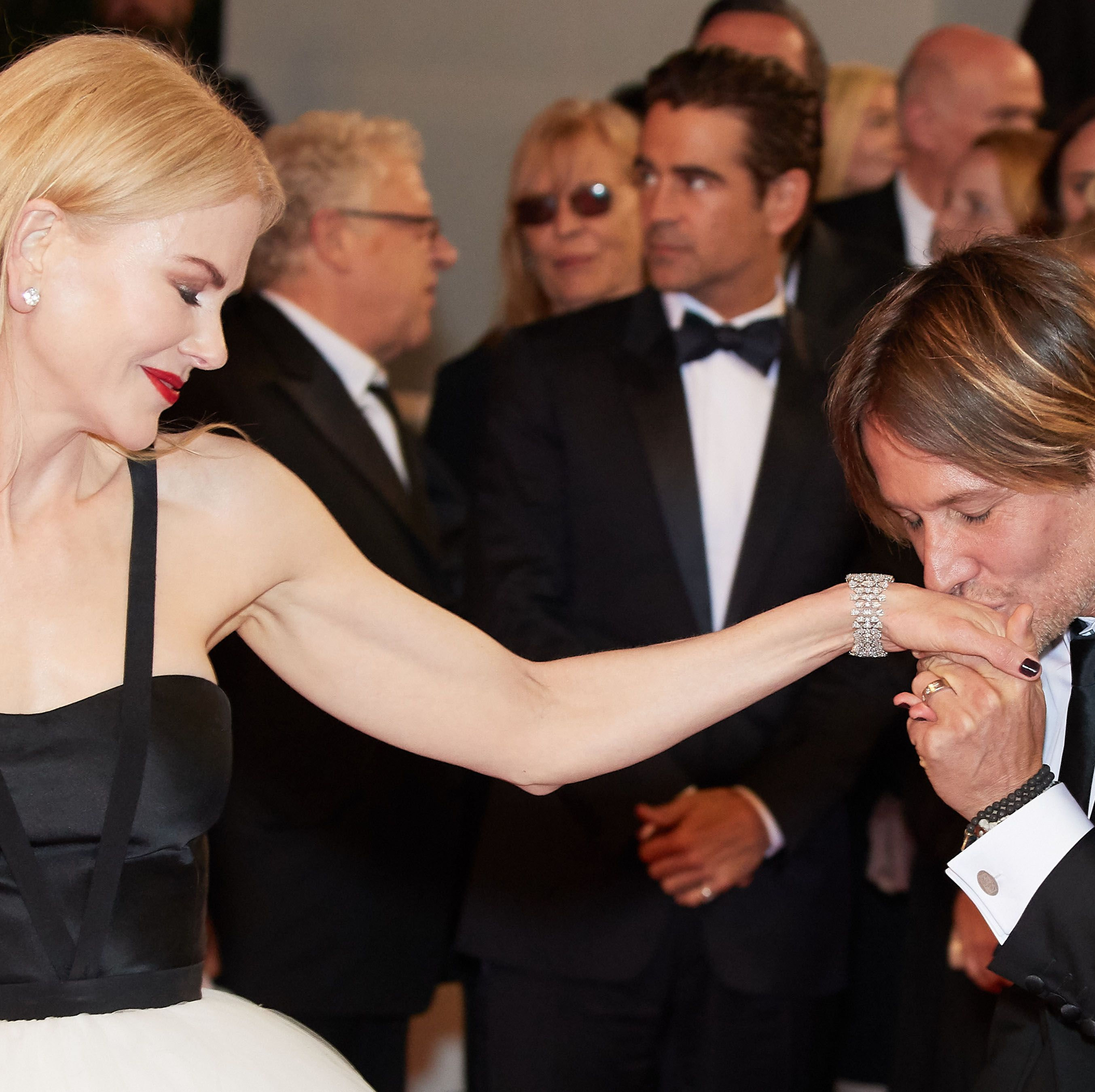 A Photo of Nicole Kidman at Keith Urban's Benefit Concert Has Sparked Deep Concerns From Fans