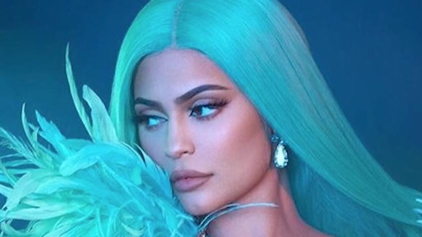 Kylie Jenner Goes All In Recreating Khloé And Kourtney Kardashian's Crazy WiFi Fight On TikTok