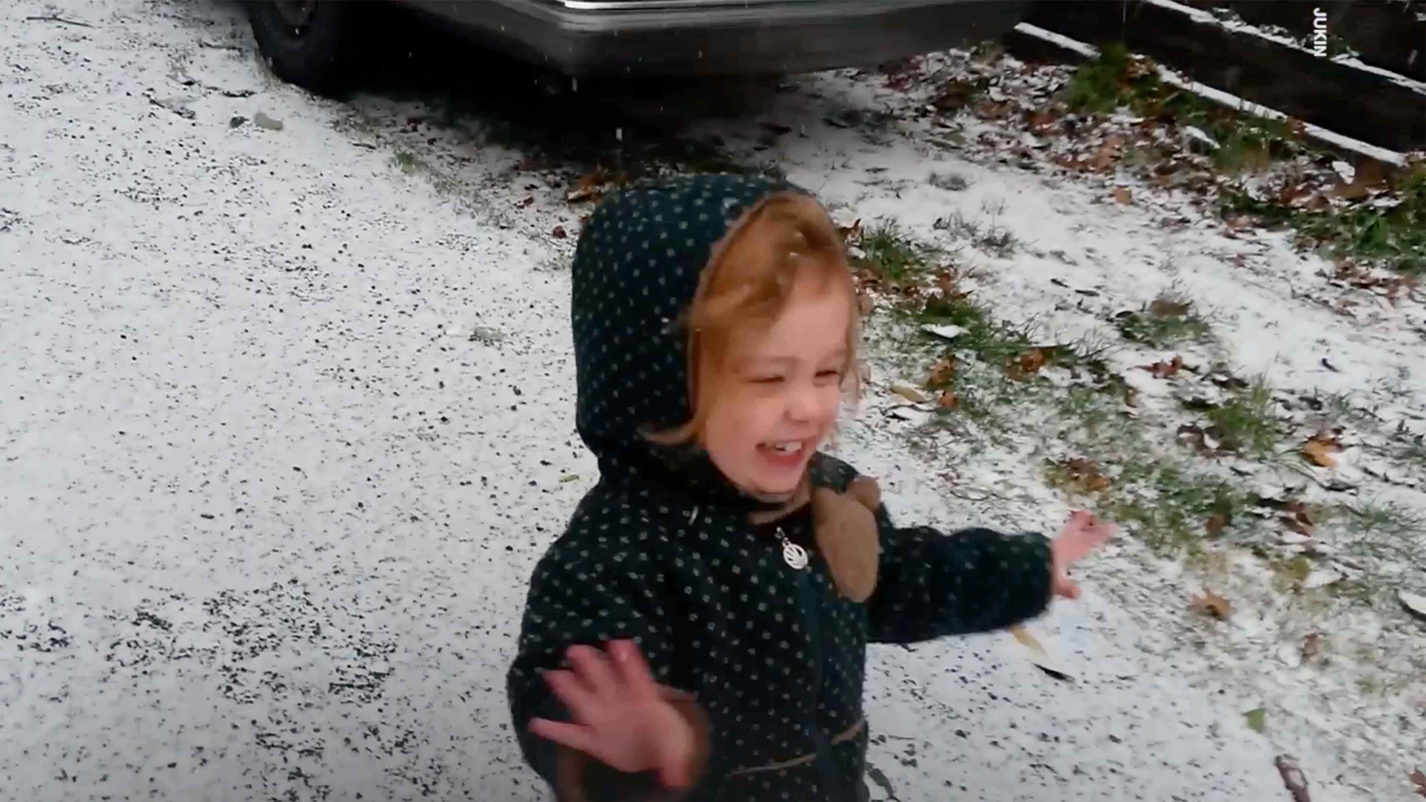 The Old Farmer's Almanac's Christmas Weather Forecast Calls for Snow Across the U.S.