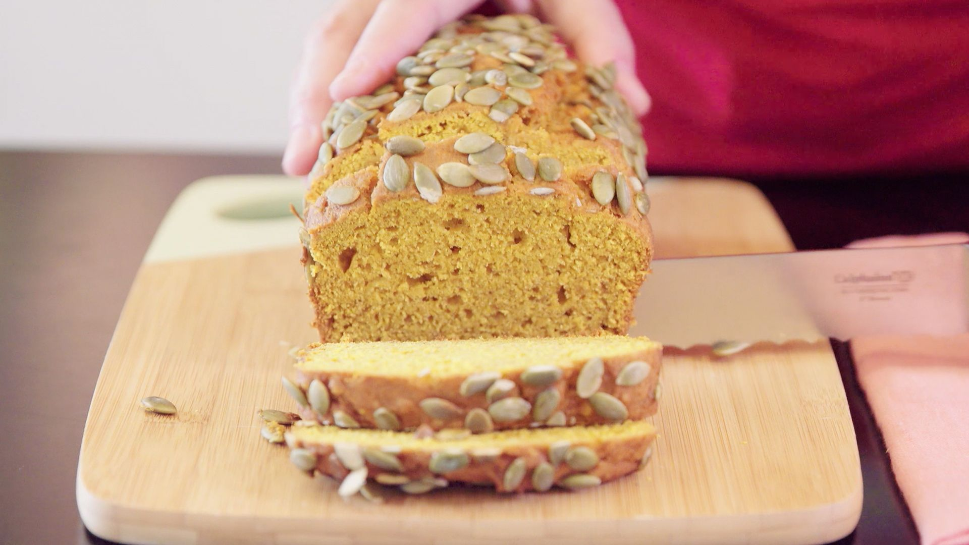 How to Make Easy and Delicious Pumpkin Bread This Fall