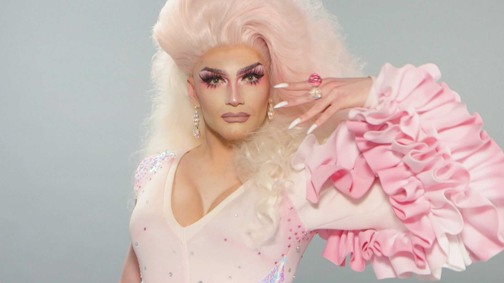 Rosé's Bubblegum Makeup Look Is a Millennial Pink Dream