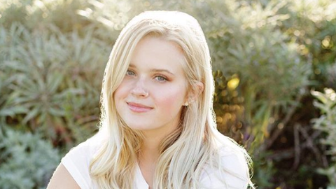 12 Reasons to Follow Reese Witherspoon Instagram