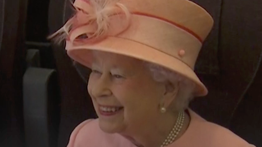 The Queen Wore a Bright Green Dress for Her Speech and Became a Meme