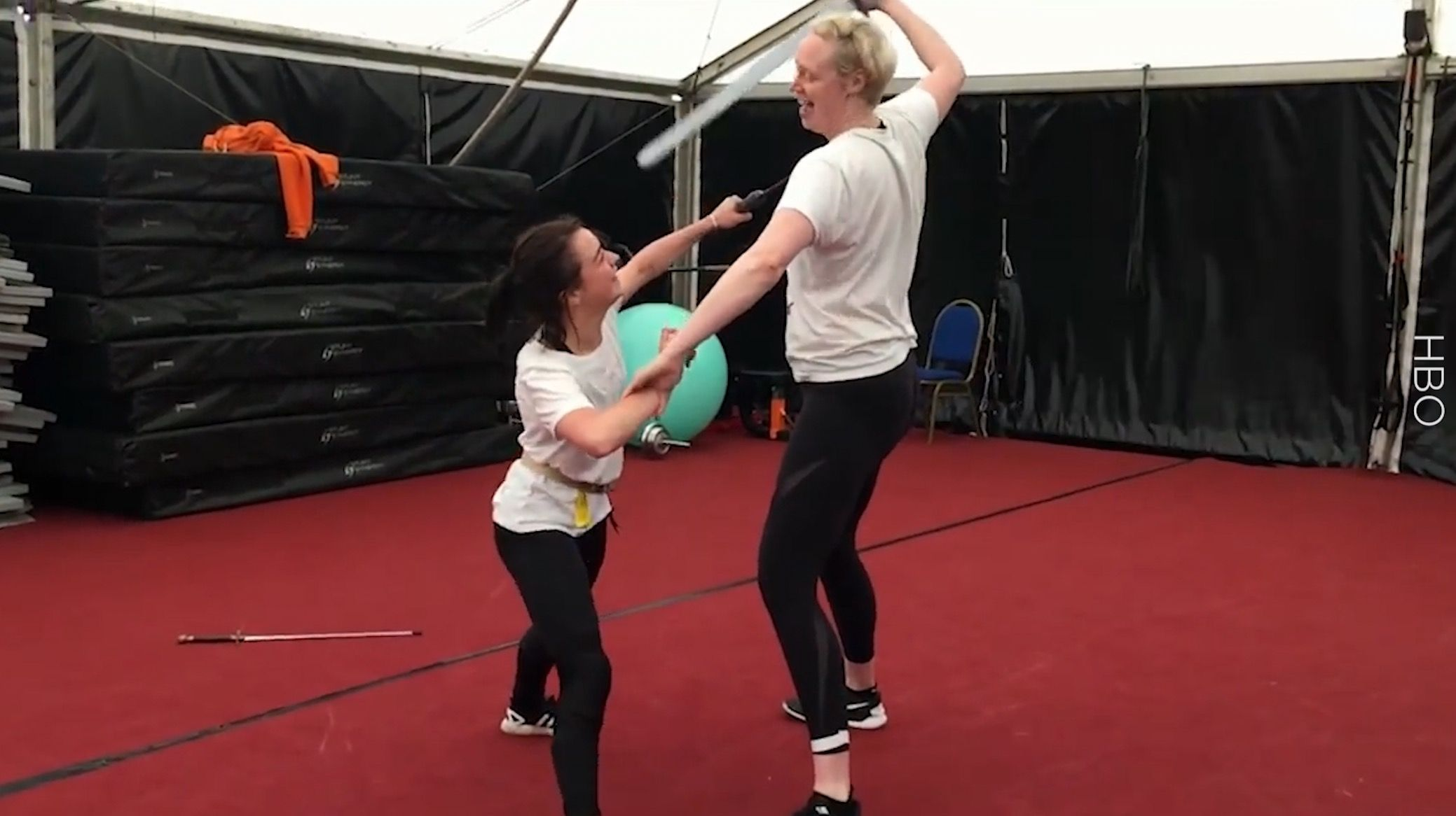 This Video Of Maisie Williams Training To Do Arya Stark's Knife Flip For 'Game Of Thrones' Is Insane