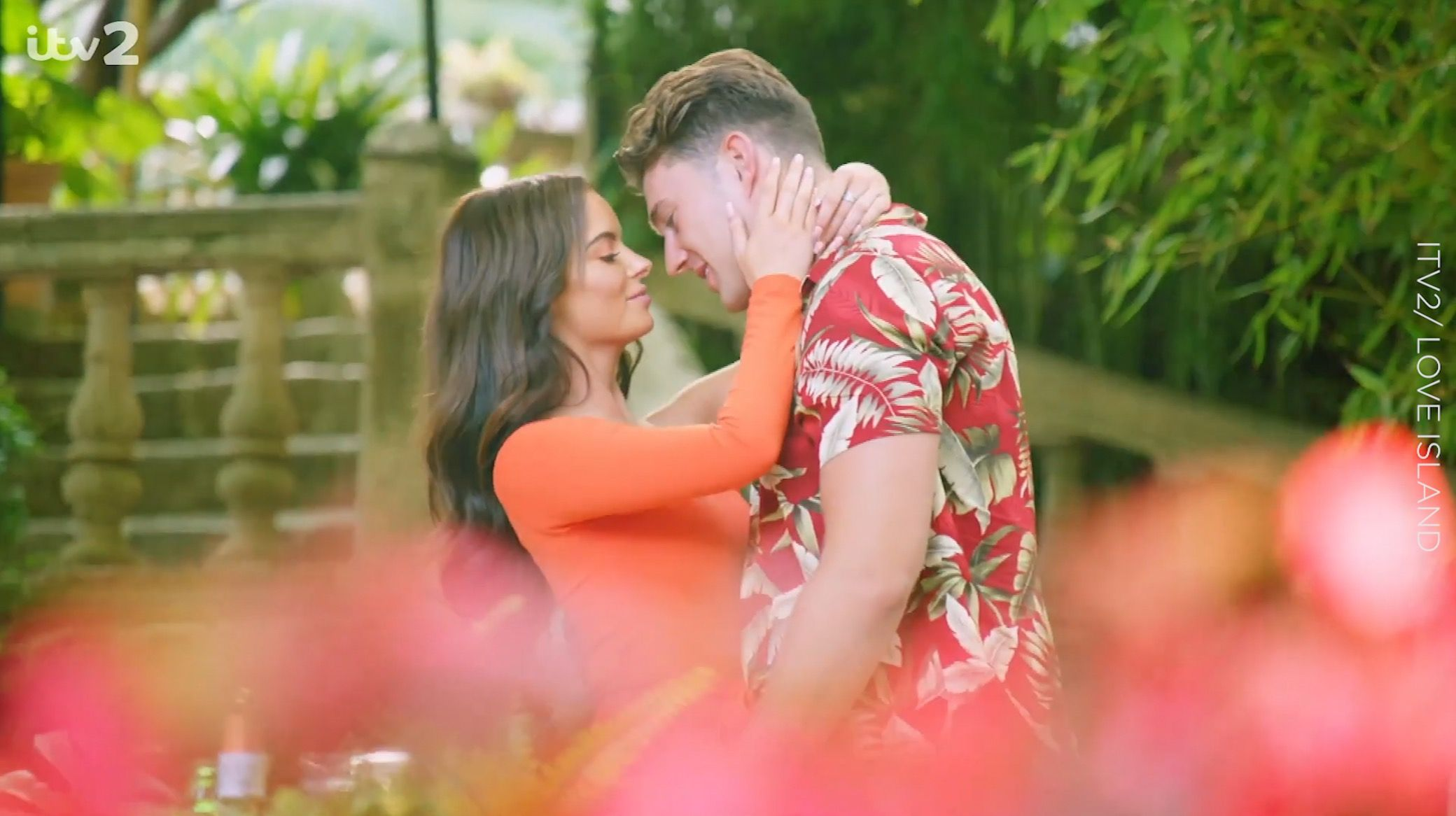Love Island's Maura just shut down romance rumours about her and fellow contestant Greg O'Shea