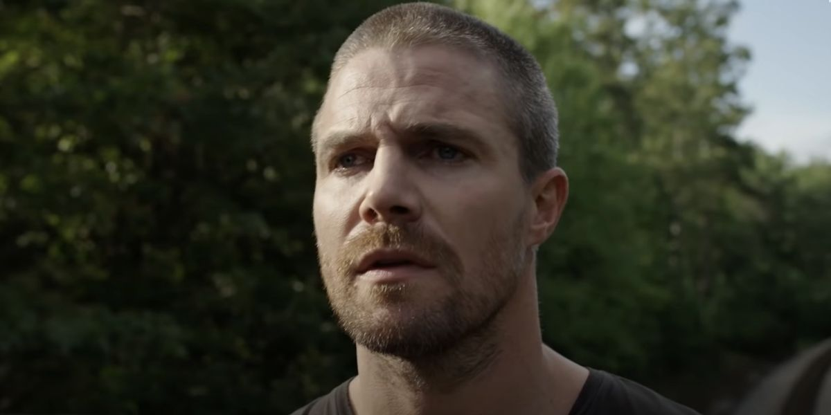 Stephen Amell confirms he was removed from flight after argument