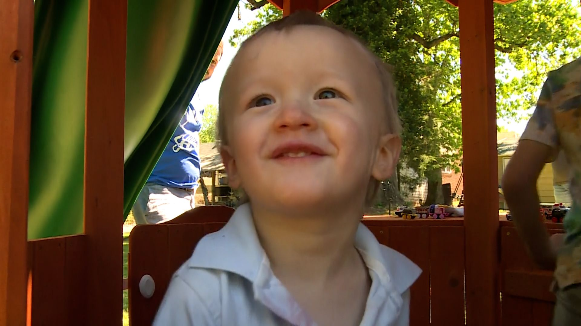 Toddler with kidney cancer surprised by spectacular new playset