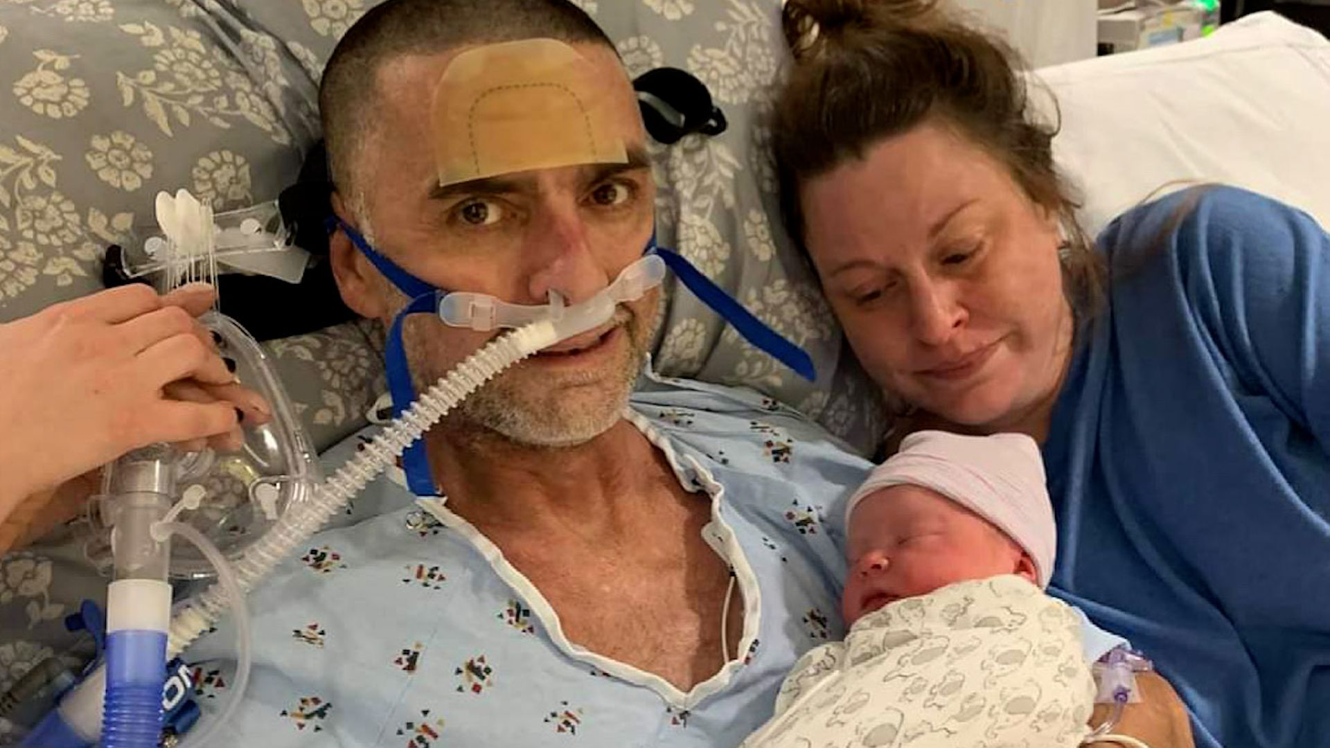 Father battling lung disease meets newborn son, passes away next day