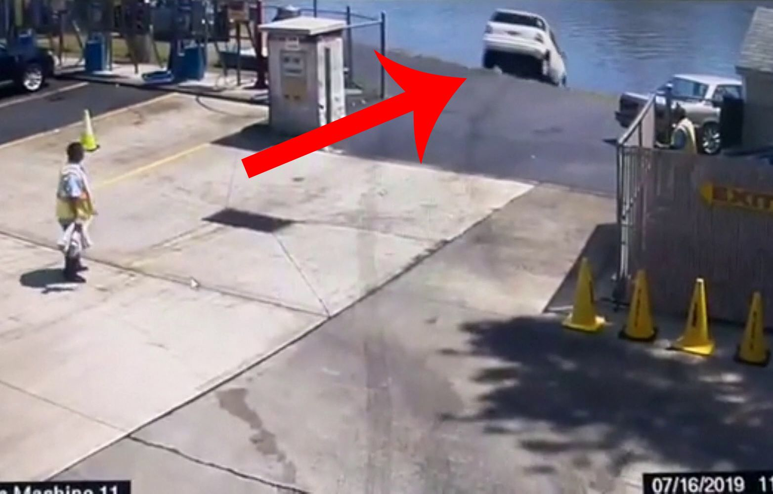 Video: Mercedes driver mistakes gas for brake, plunges into New Jersey river