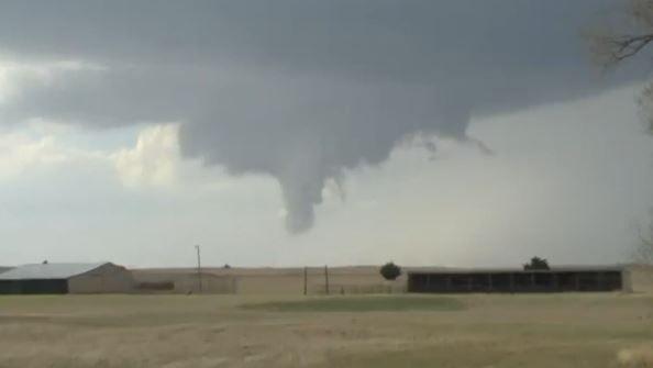 Video: Oklahoma's first tornado of 2018 caught on camera near Buffalo