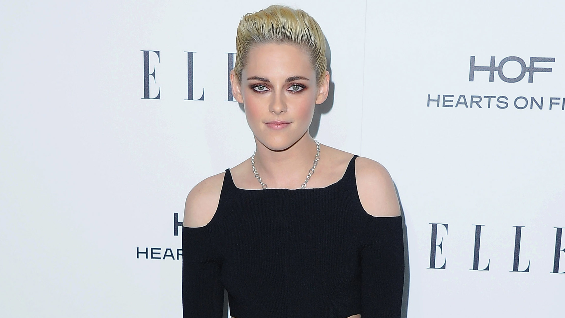 Happiest season, Kristen Stewart è la protagonista del film commedia di Natale 2020 a tema LGBTQ+