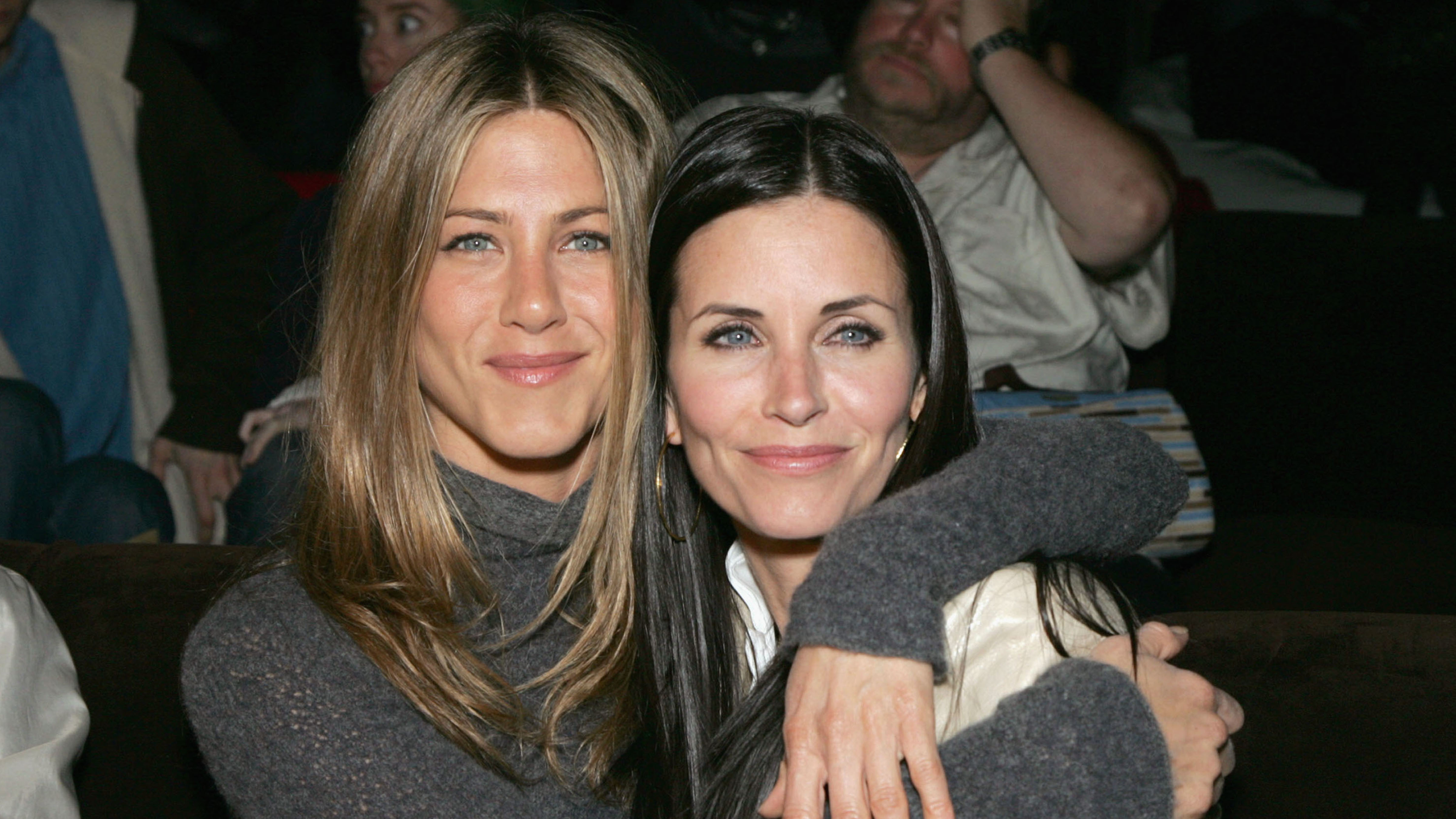 Jennifer Aniston Looked Chicer Than We Thought Possible While Walking Her Dog