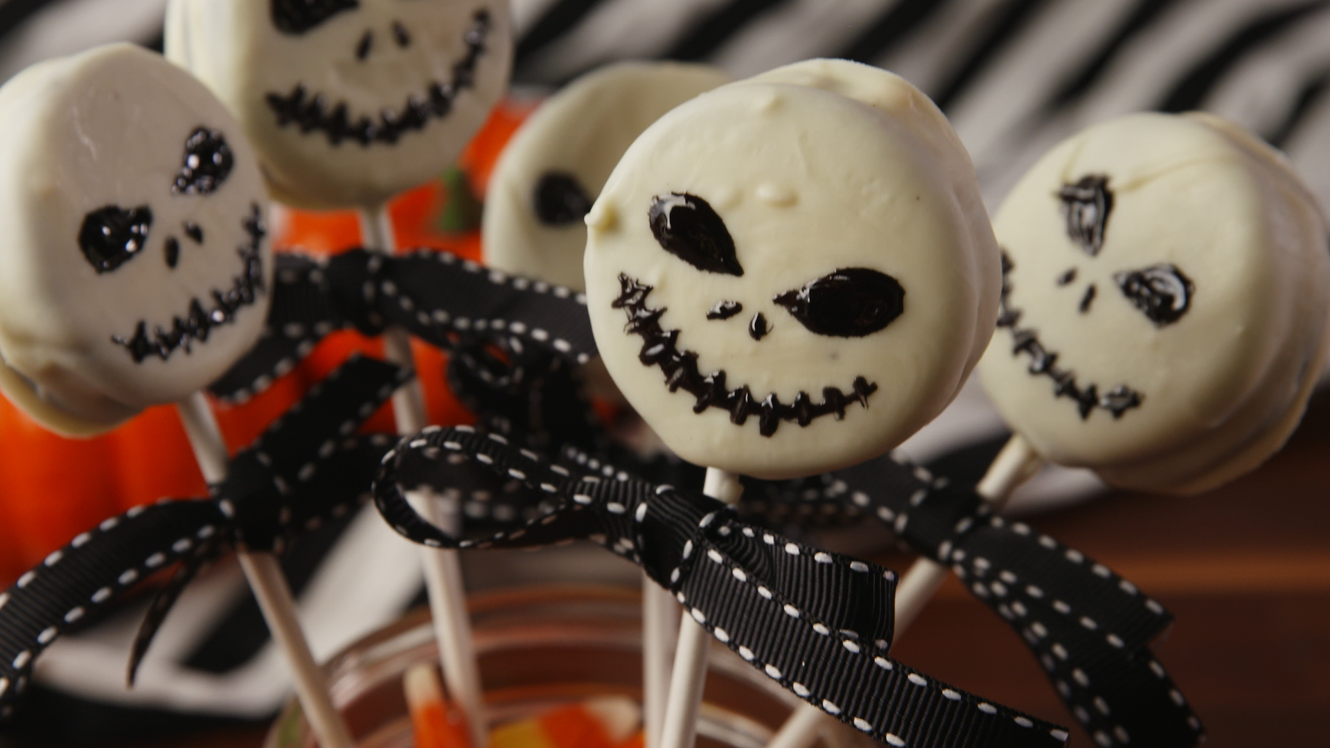 This Oreo Monster Decorating Cookie Kit Will Get You Into The Halloween Spirit