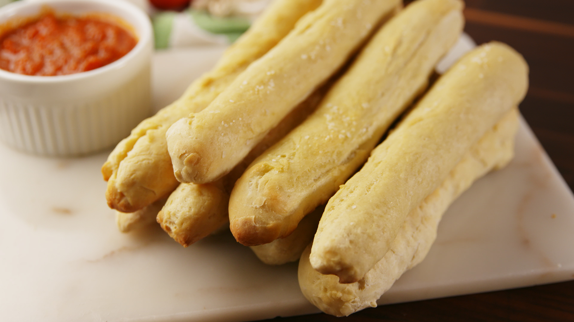 Best Copycat Olive Garden Breadstick Recipe - How to Make Copycat ...