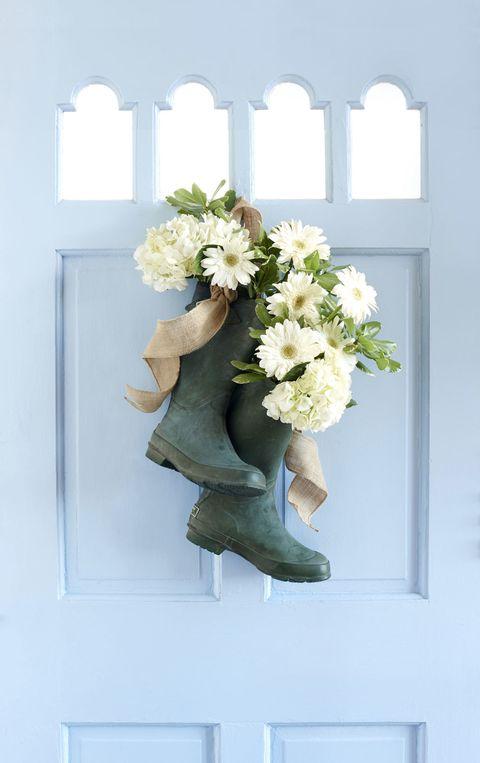 Flower, Petal, Bouquet, Fixture, Cut flowers, Teal, Flower Arranging, Flowering plant, Floral design, Paint,