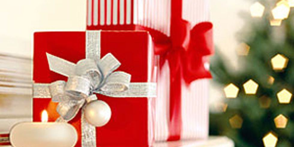 gift giving etiquette holiday etiquette for gifts