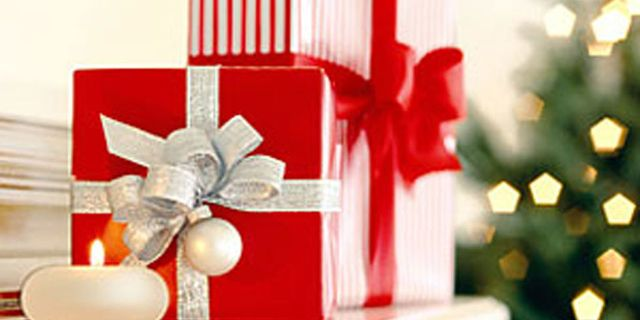 Christmas Gift Giving Images.Gift Giving Etiquette Holiday Etiquette For Gifts