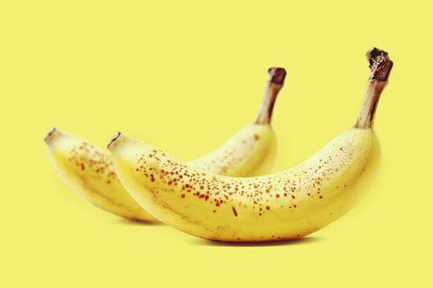 Yellow, Natural foods, Food, Fruit, Produce, Banana family, Flowering plant, Whole food, Cooking plantain, Banana,
