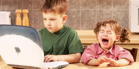 Study Younger Siblings Face Higher >> Study Overturns Everything You've Believed About How Birth ...