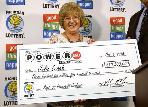 Julie Leach, Powerball Winner