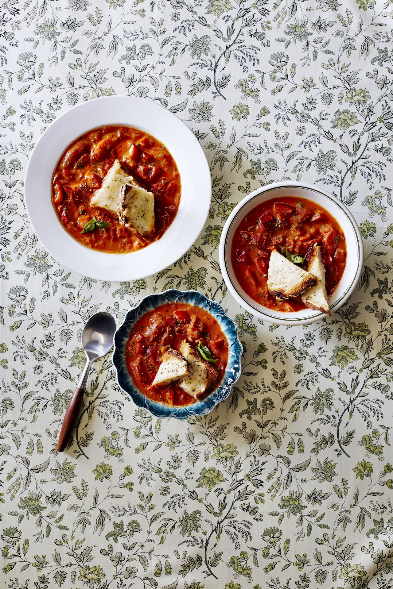 Chunky Tomato-Red Pepper Soup photo